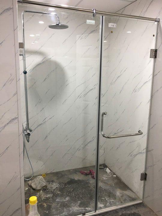 Mẫu cabin tắm kính 90 độ.