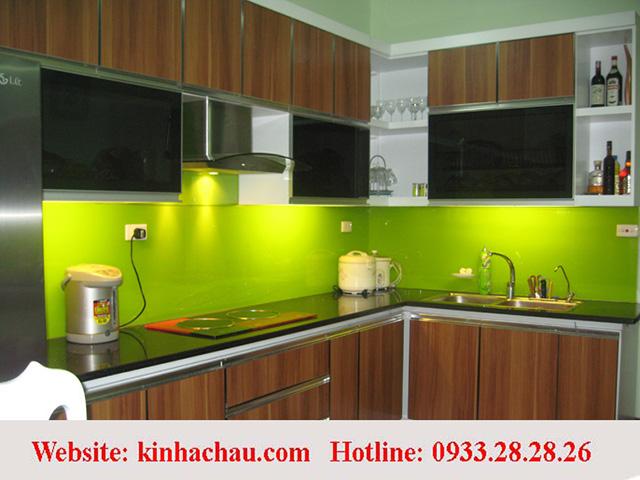 Báo giá kính màu ốp bếp tại Hà Nội, TpHCM