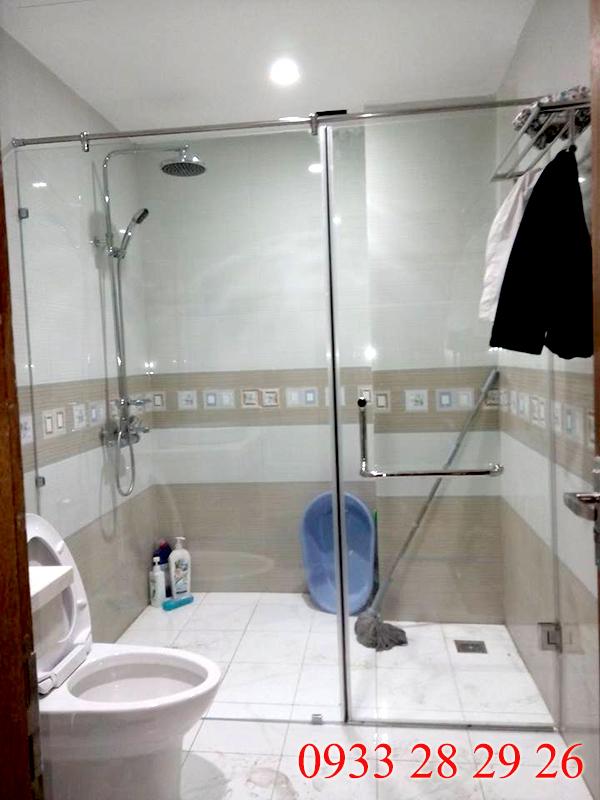 giá phòng tắm kính