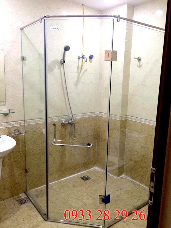 Ưu nhước điểm của phòng tắm kính cường lực