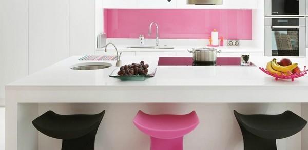 Mẫu 67 : Kính ốp bếp màu hồng phấn.